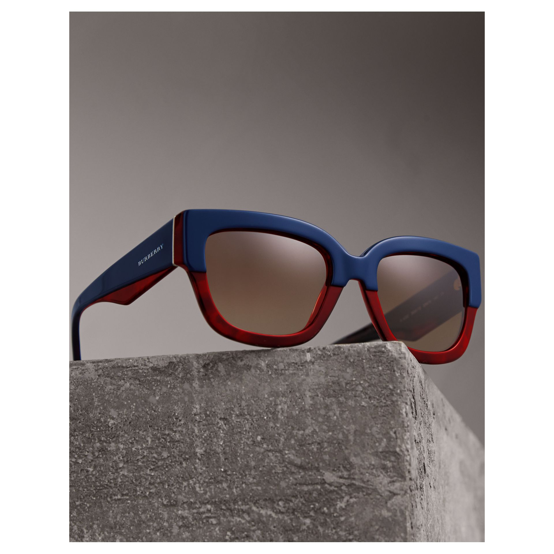 Square Frame Sunglasses in Navy - Women | Burberry - gallery image 2