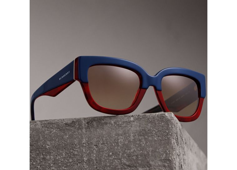 Square Frame Sunglasses in Navy - Women | Burberry - cell image 2