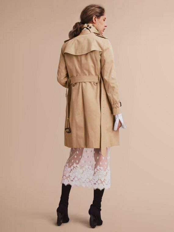 The Kensington – Long Heritage Trench Coat in Honey - Women | Burberry - cell image 2