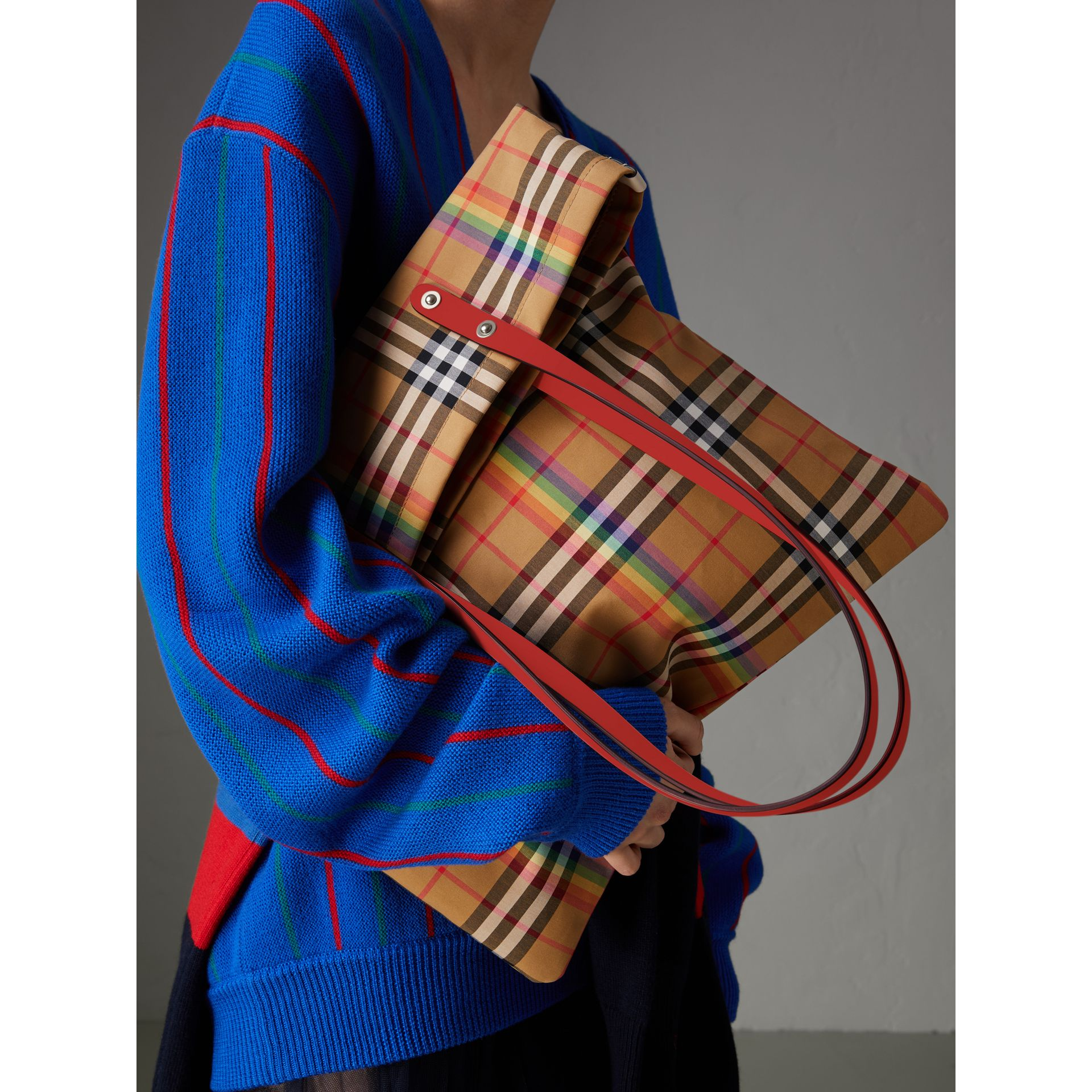 Large Rainbow Vintage Check Shopper in Bright Peony | Burberry United Kingdom - gallery image 5