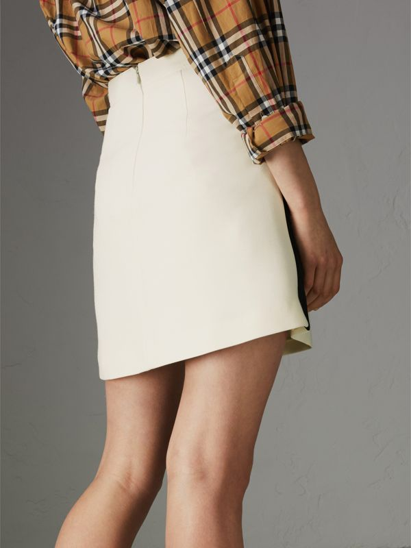 Gonna in lana e seta con fasce sportive (Bianco Sporco) - Donna | Burberry - cell image 2