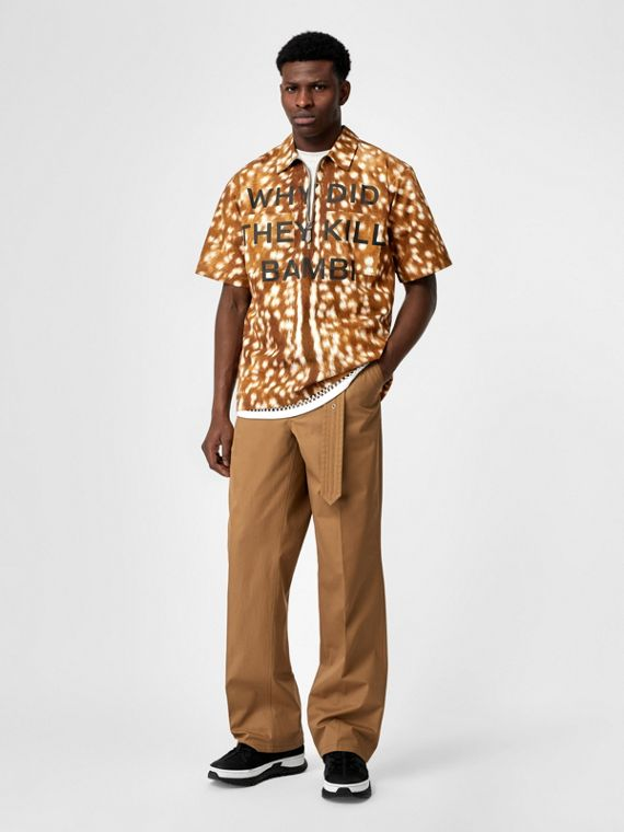 Short-sleeve Slogan Deer Print Cotton Shirt in Honey