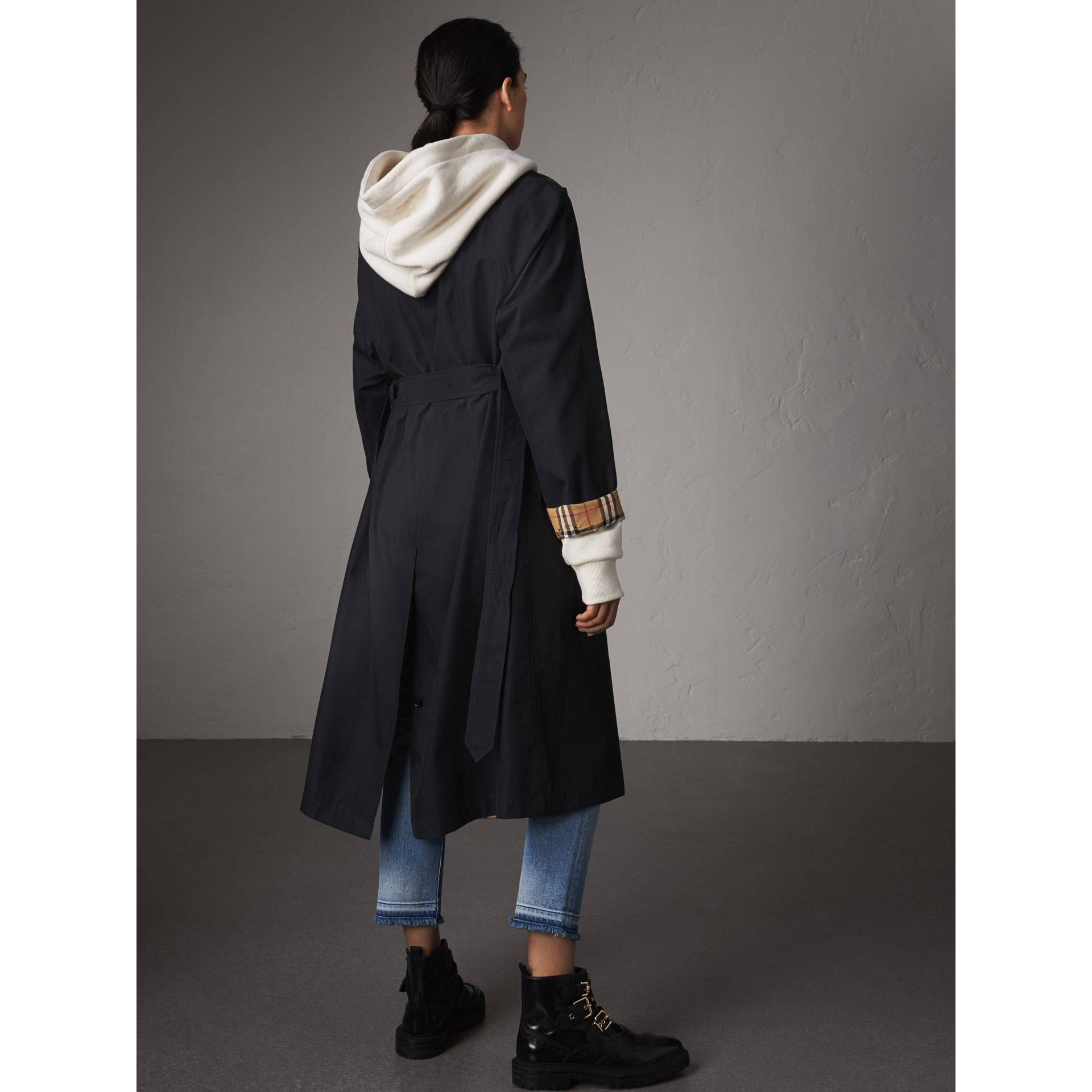 The Brighton – Car Coat extra-long (Bleu Carbone) - Femme | Burberry - photo de la galerie 3