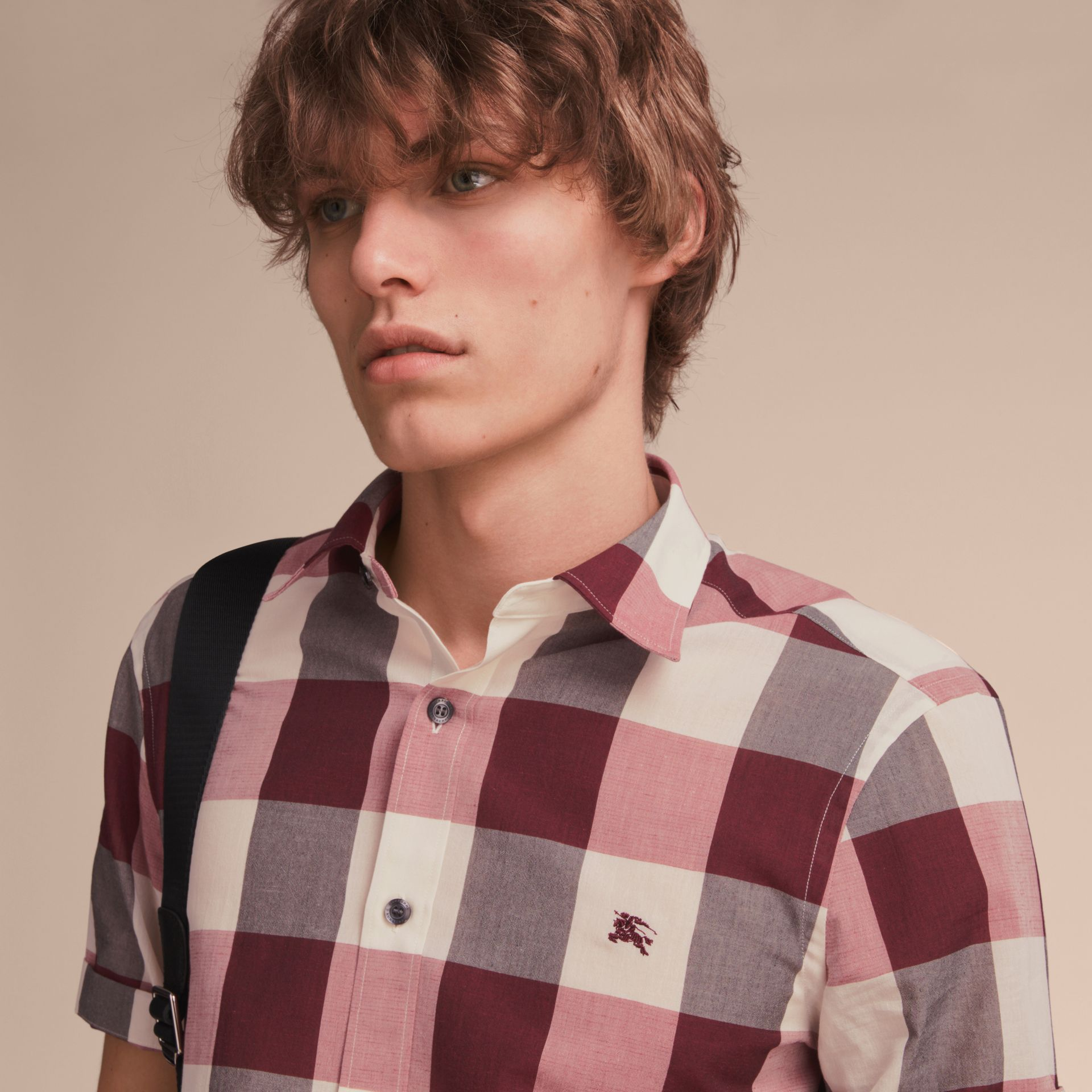 Short-sleeved Exploded Gingham Cotton Linen Shirt Plum Pink - gallery image 5