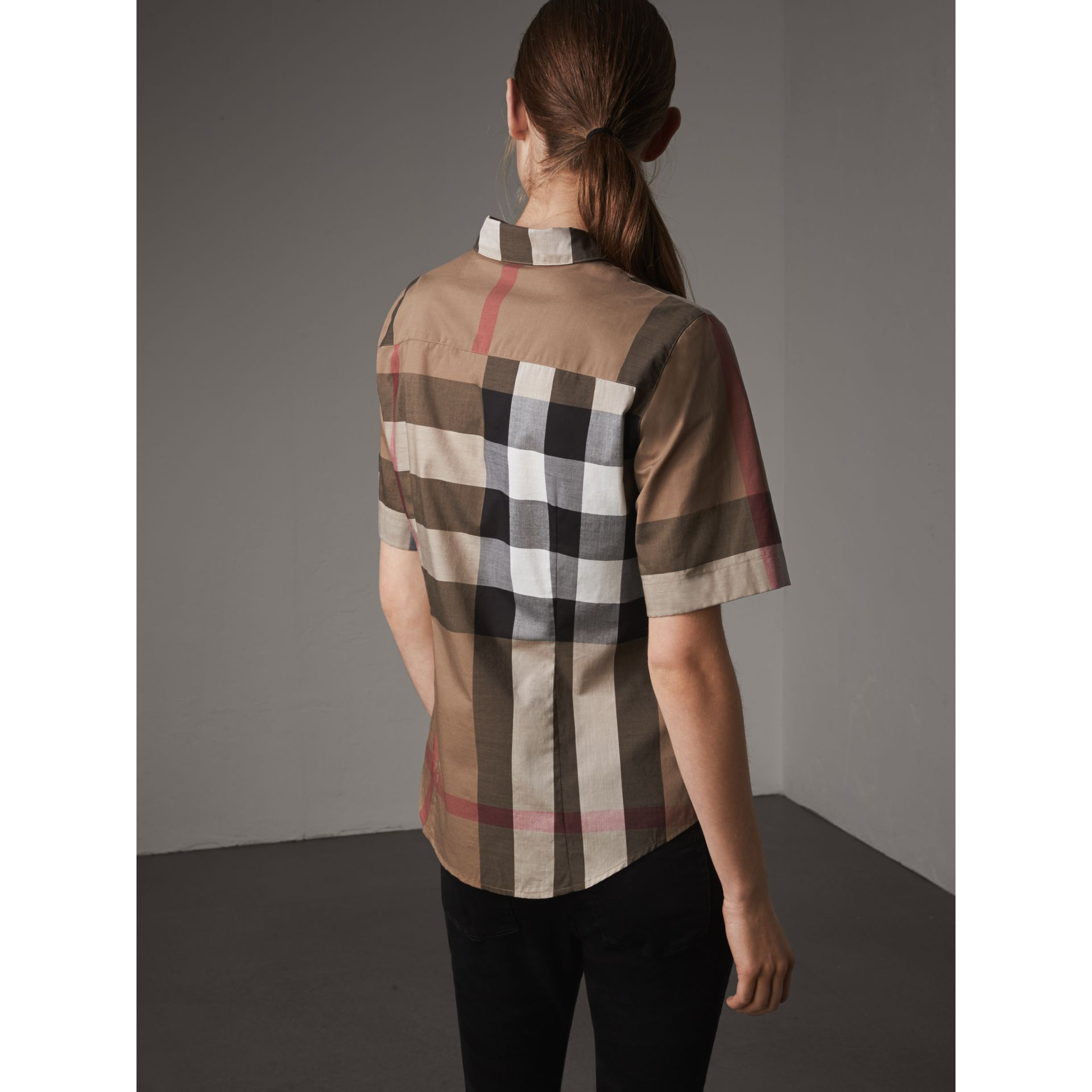 Short-sleeved Check Cotton Shirt in Taupe Brown - Women | Burberry - gallery image 2