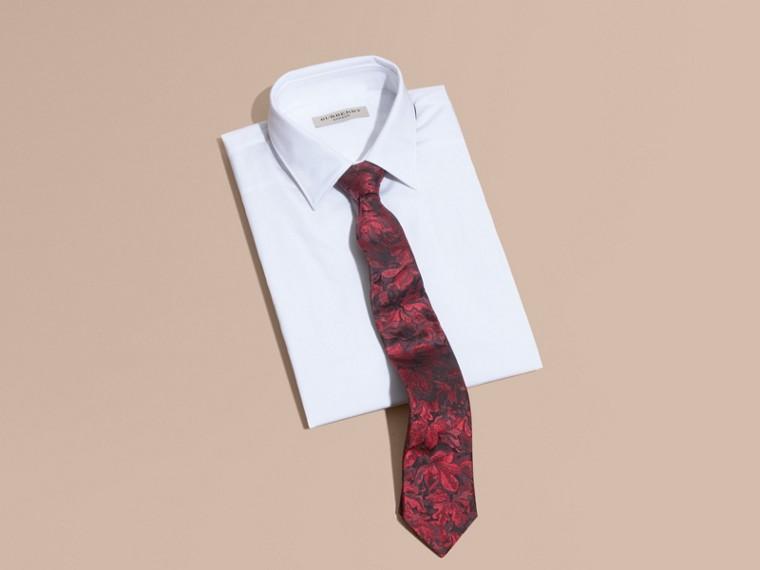 Granate oscuro Corbata de pala moderna en seda con motivo floral en jacquard Granate Oscuro - cell image 2