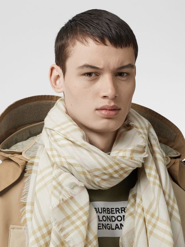 Шарф в клетку Vintage Check с вышивкой (Бледный Шалфей) | Burberry - cell image 3