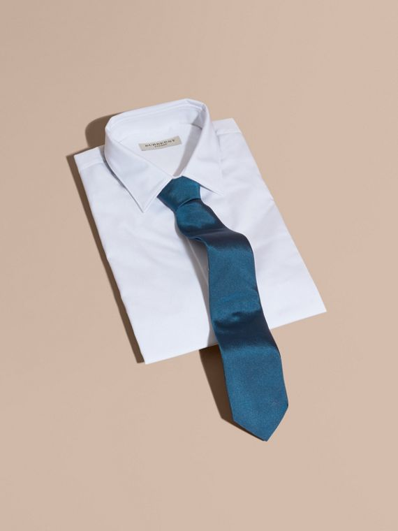Modern Cut Silk Twill Tie in Bright Blue - cell image 3