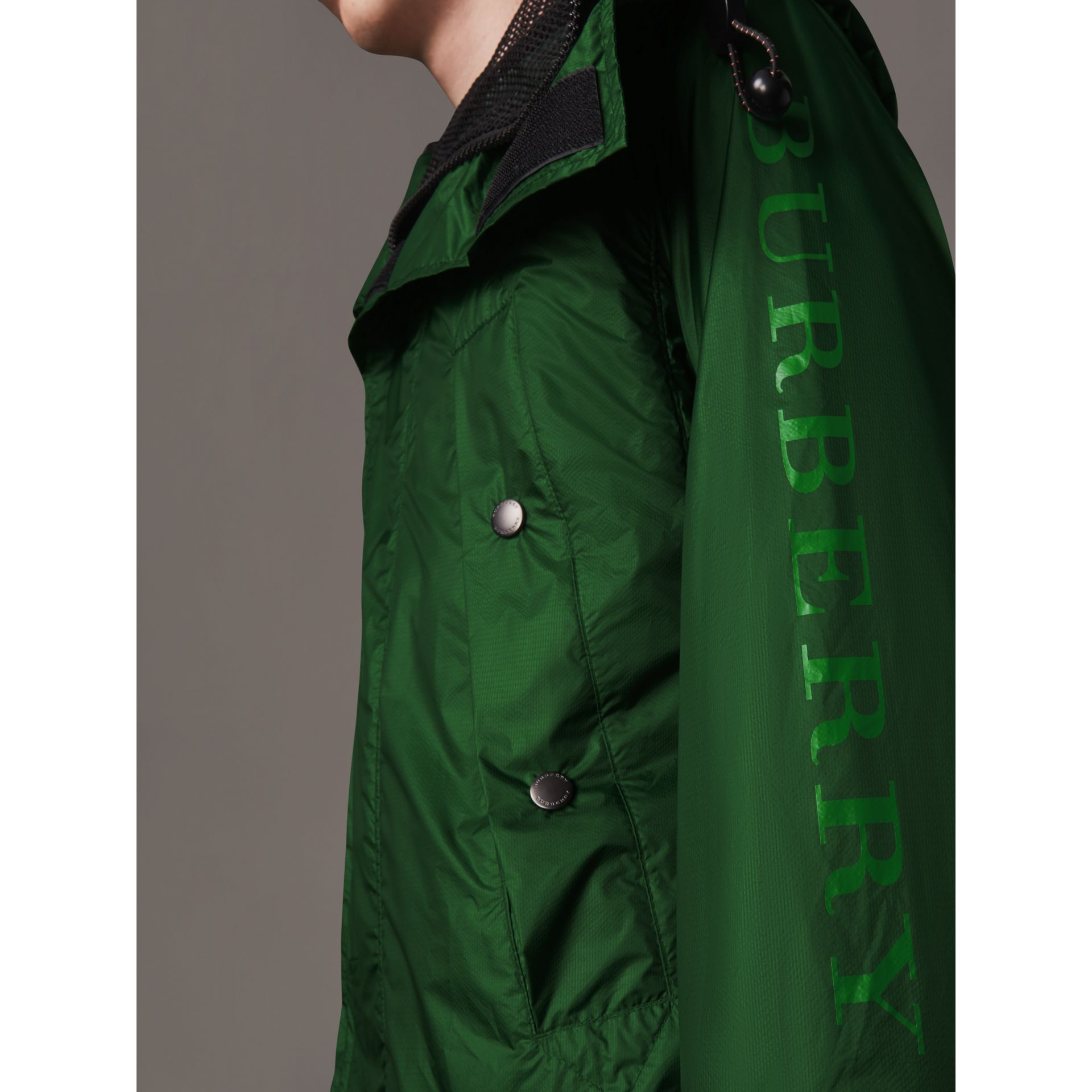 Lightweight Hooded Jacket in Pigment Green - Men | Burberry - gallery image 5