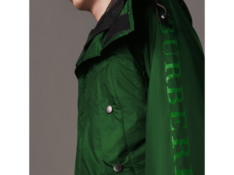 Lightweight Hooded Jacket in Pigment Green - Men | Burberry United States - cell image 4
