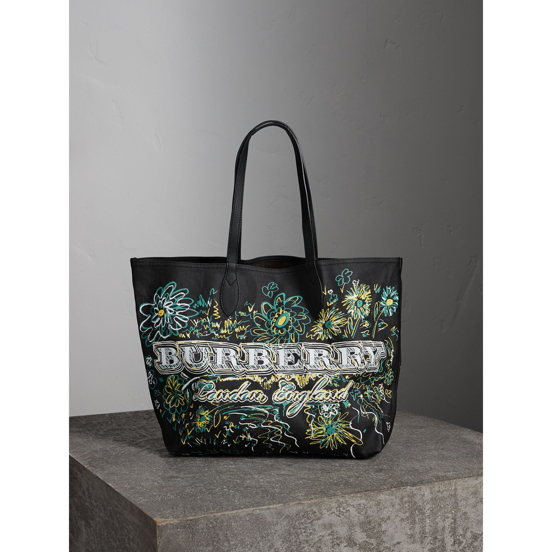 The Medium Reversible Doodle Tote in Black - Women | Burberry - gallery image 0