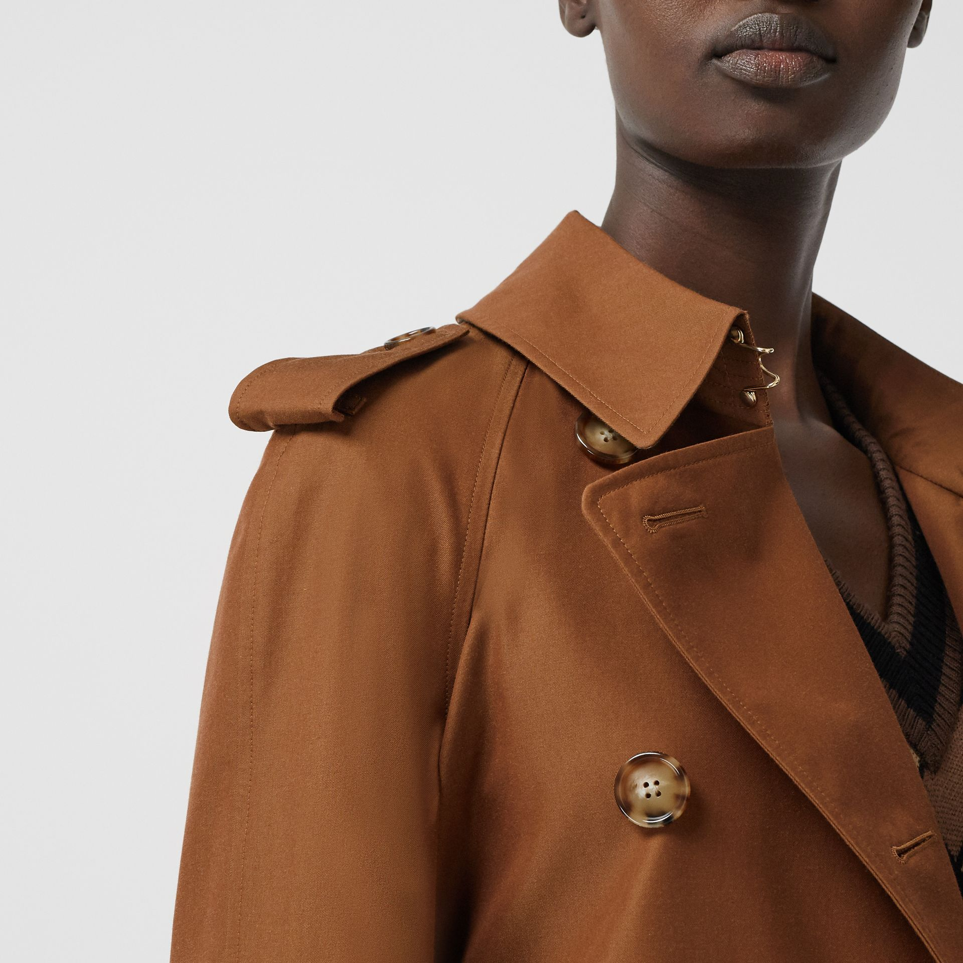 The Waterloo Heritage Trench Coat in Chestnut Brown - Women | Burberry - gallery image 5