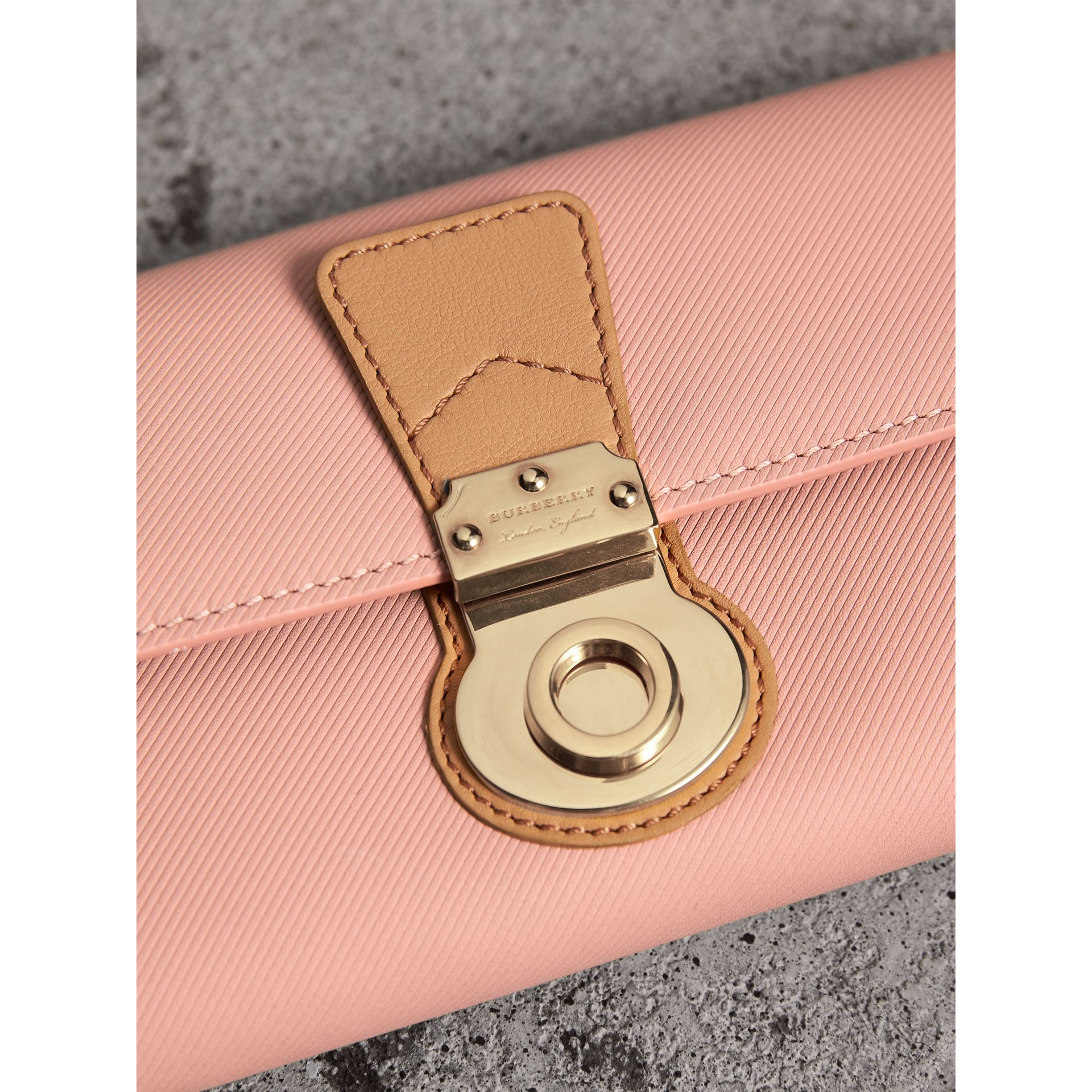 Two-tone Trench Leather Continental Wallet in Ash Rose/pale Clementine - Women | Burberry - gallery image 1