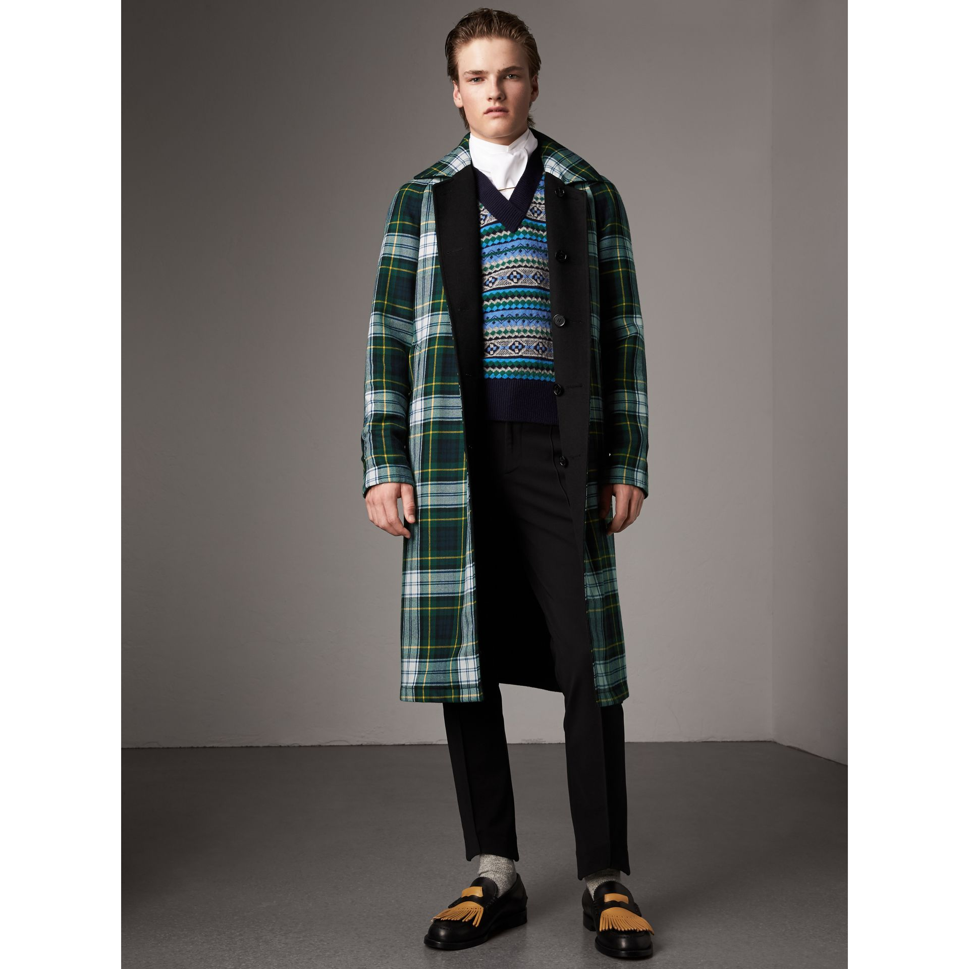 Reversible Cashmere and Tartan Wool Car Coat in Black - Men | Burberry - gallery image 4