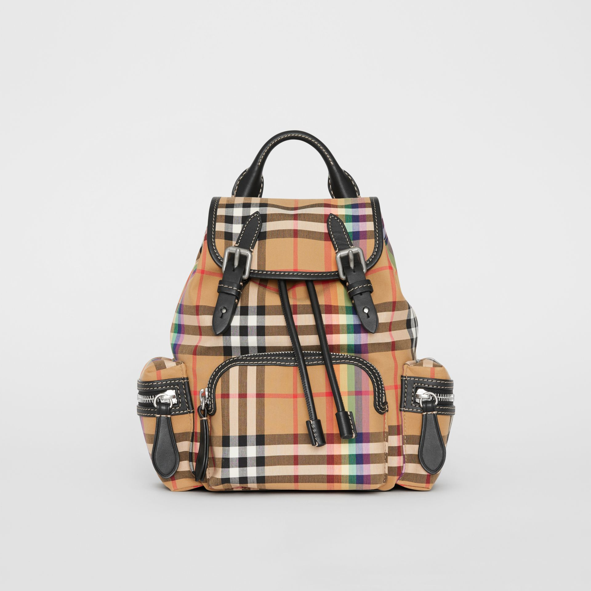 Petit sac The Rucksack à bandoulière avec motif Rainbow Vintage check (Jaune Antique) - Femme | Burberry Canada - photo de la galerie 0
