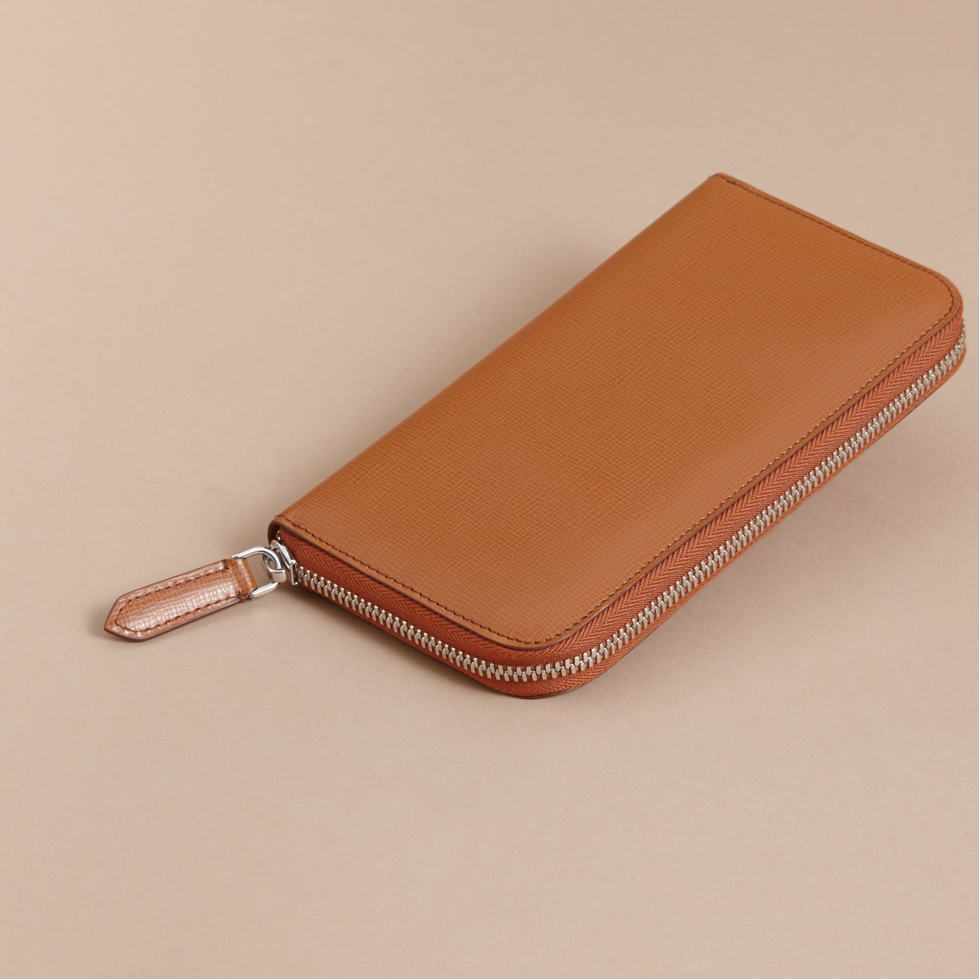 London Leather Ziparound Wallet Tan - gallery image 4