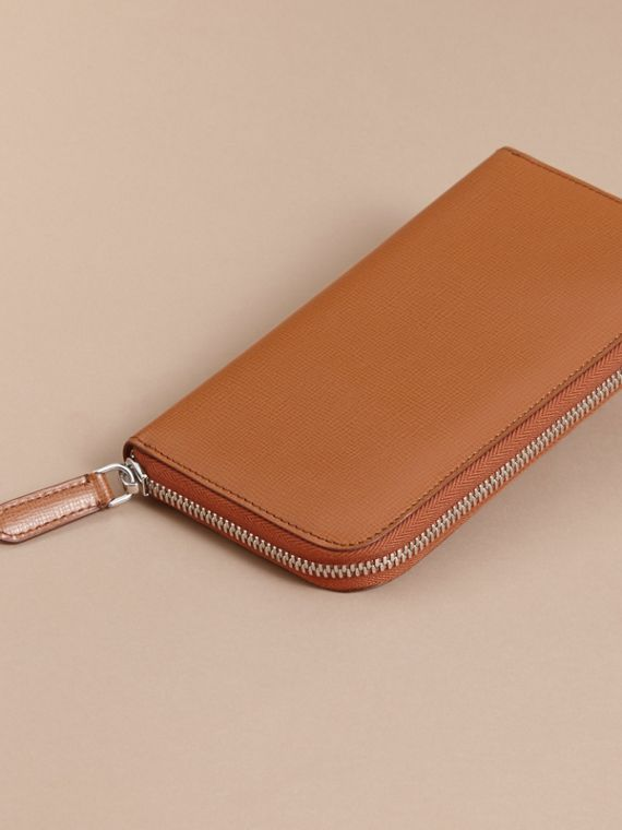 London Leather Ziparound Wallet Tan - cell image 3