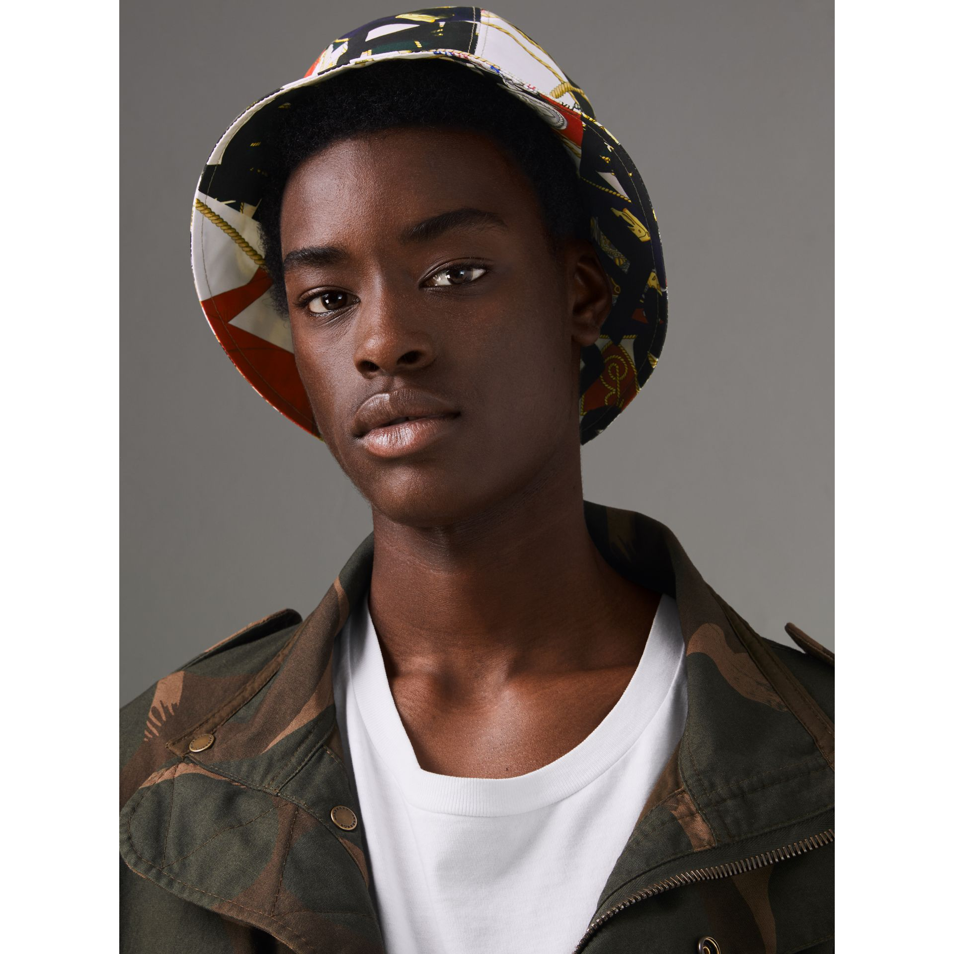 Graffiti Scarf Print Bucket Hat in Multicolour | Burberry United Kingdom - gallery image 2