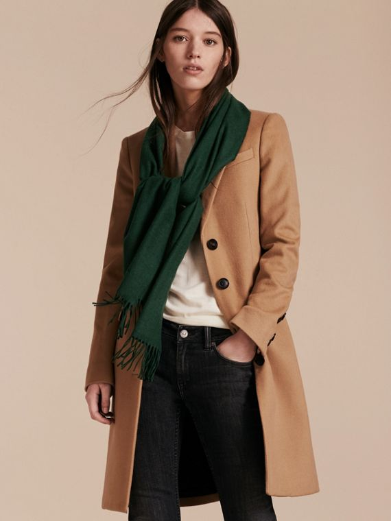 The Classic Cashmere Scarf in Dark Forest Green - cell image 2