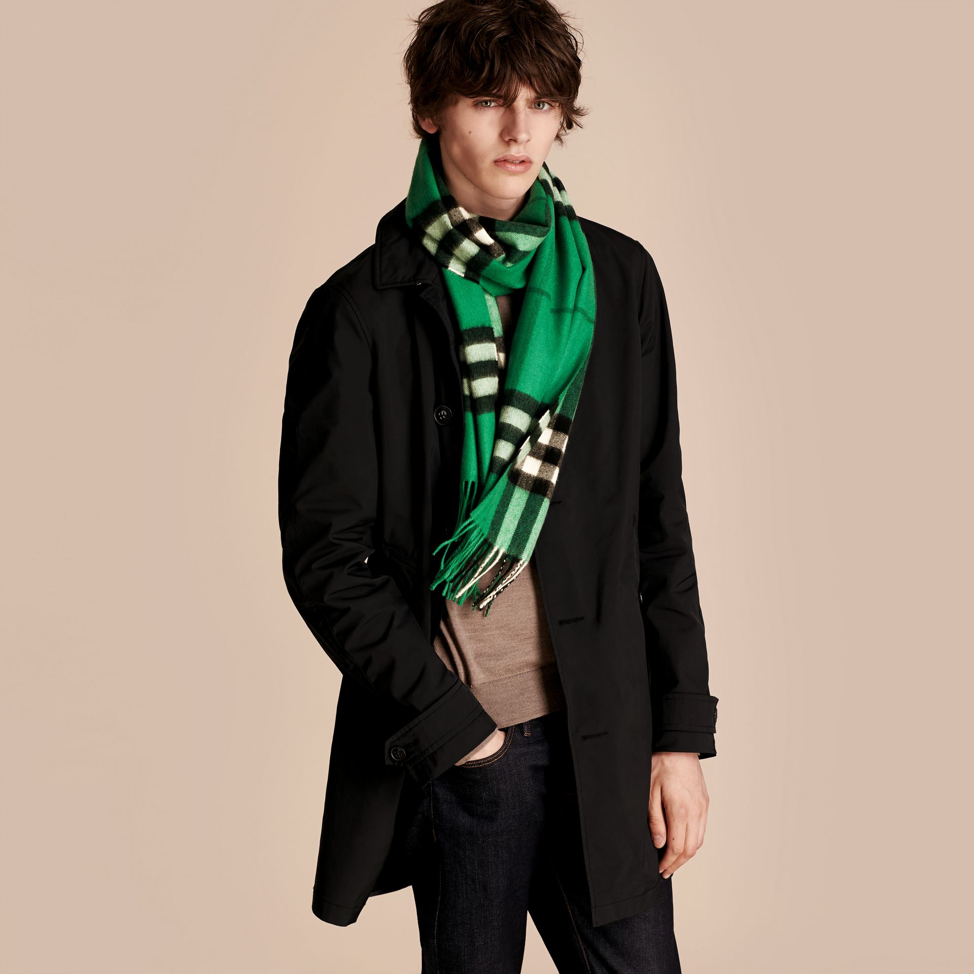 The Classic Cashmere Scarf in Check  Emerald - gallery image 4