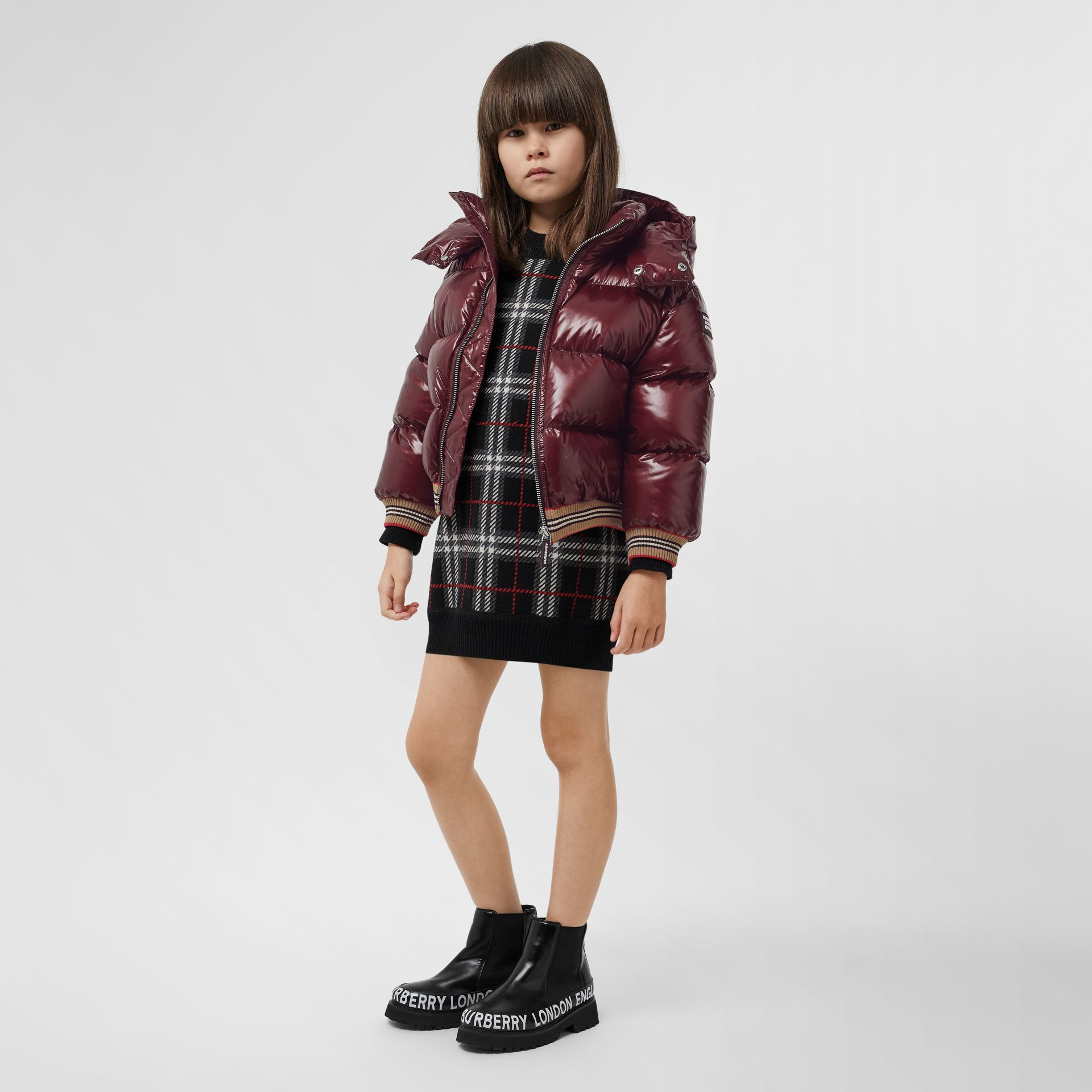 Icon Stripe Detail Hooded Puffer Jacket in Burgundy | Burberry - gallery image 2