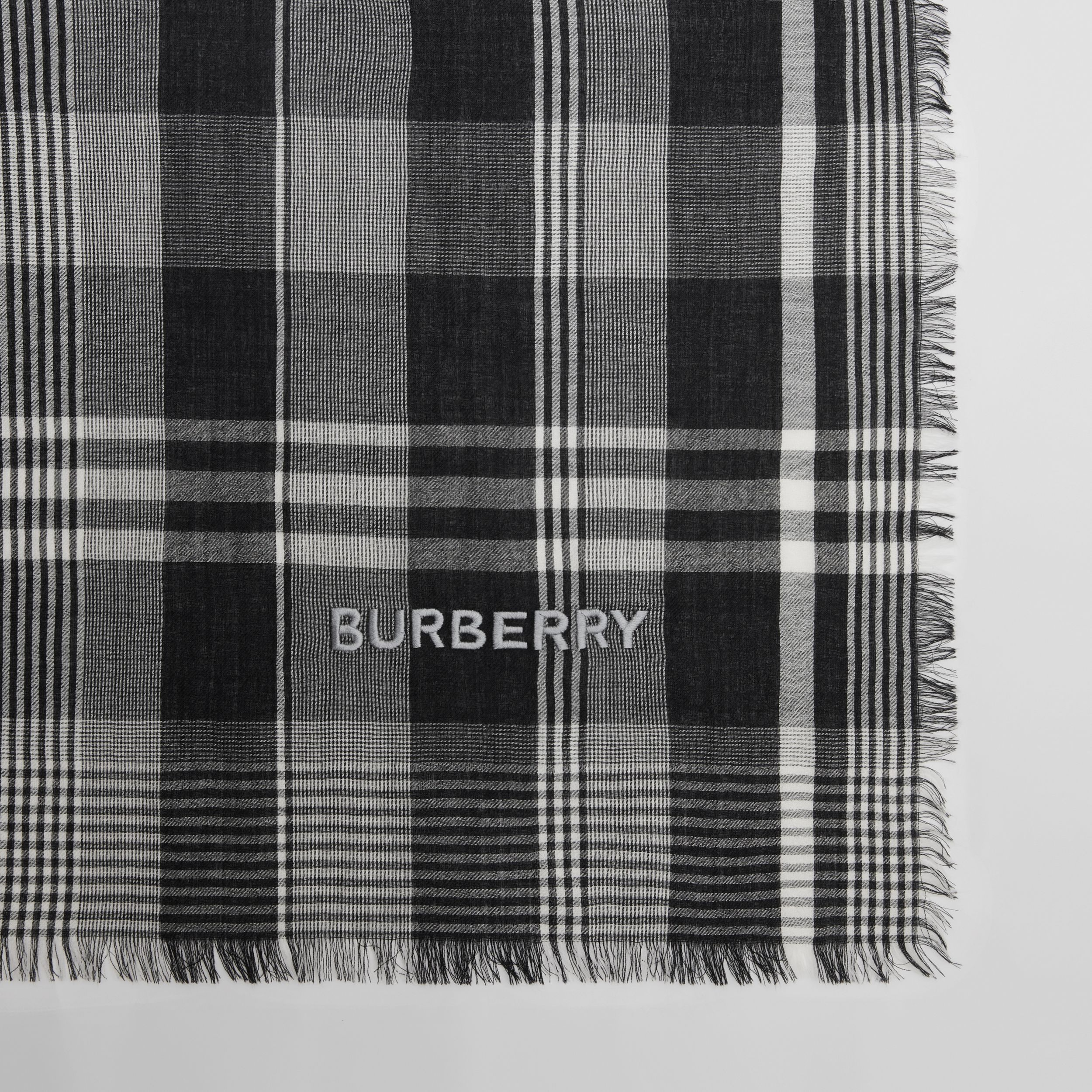 Logo Embroidered Lightweight Check Cashmere Scarf in Black/white | Burberry - 2