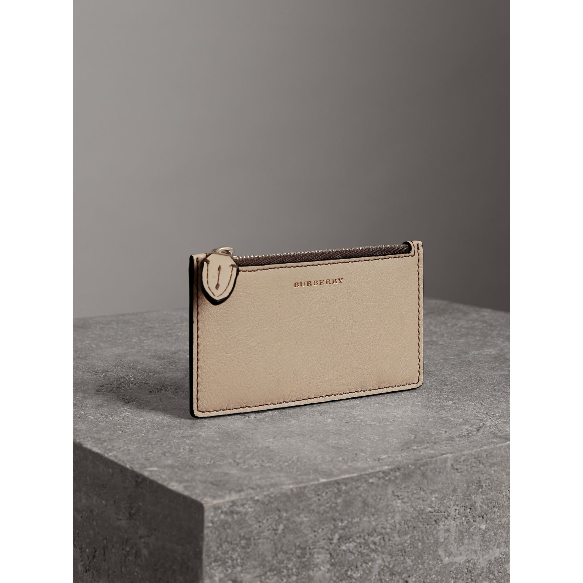 Two-tone Leather Card Case in Limestone | Burberry - gallery image 4