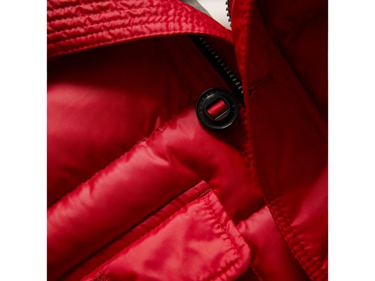 Doudoune courte imperméable à capuche (Rouge Parade) | Burberry Canada - cell image 1