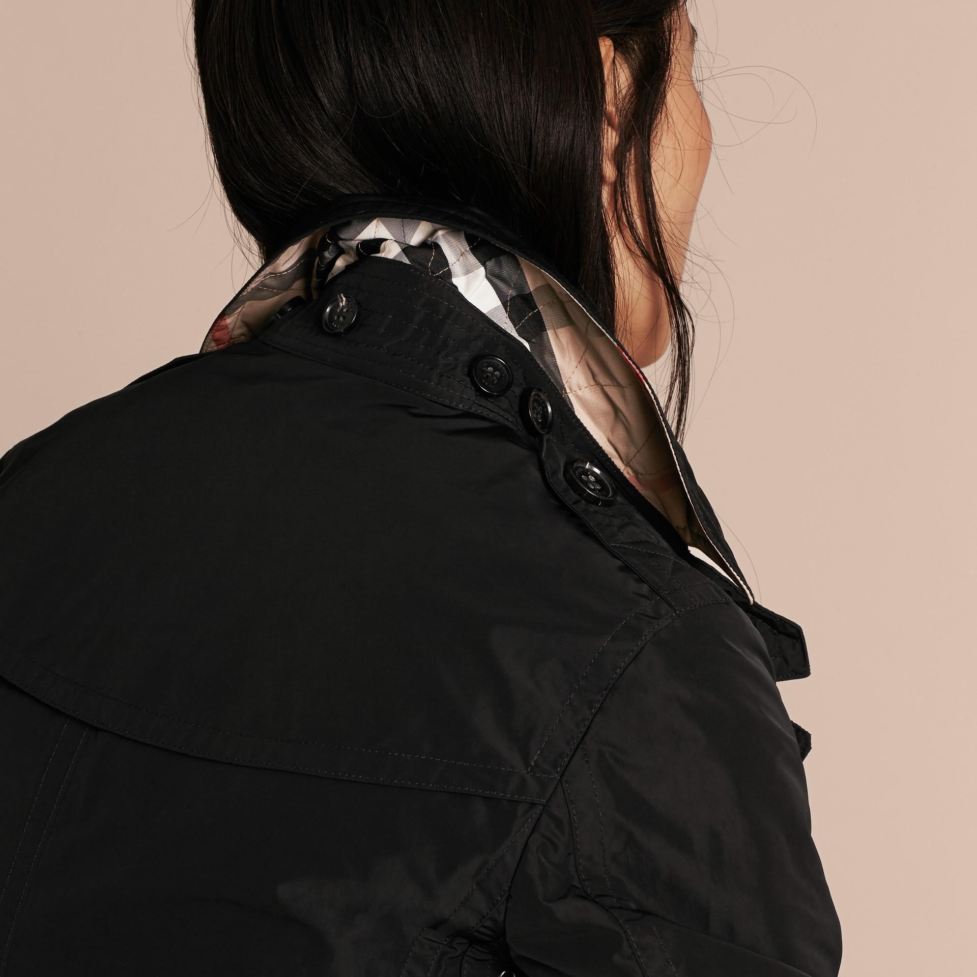 Noir Trench-coat en taffetas à capuche amovible Noir - photo de la galerie 5