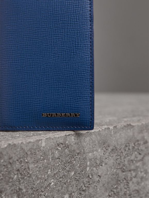 London Leather Folding Card Case in Deep Blue | Burberry United Kingdom - cell image 1