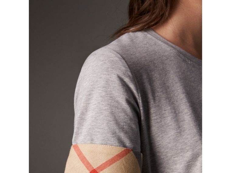 Check Cuff Stretch Cotton T-Shirt in Pale Grey Melange - Women | Burberry - cell image 4