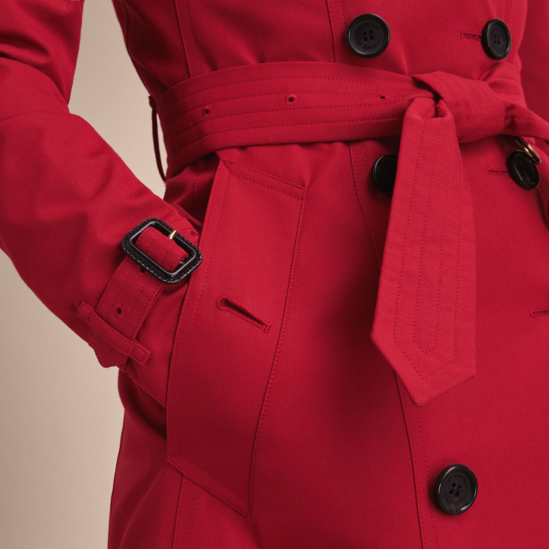 Parade red The Chelsea – Long Heritage Trench Coat Parade Red - gallery image 7