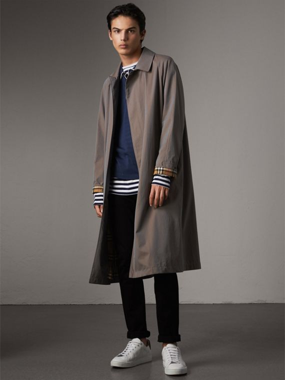 The Brighton – Longline Car Coat in Lilac Grey - Men | Burberry