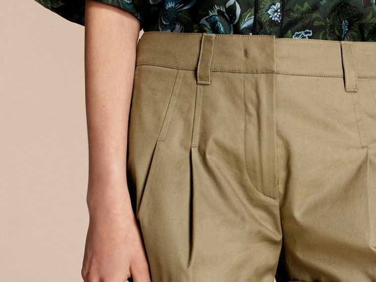 Sage Tailored Stretch Cotton Shorts - cell image 4