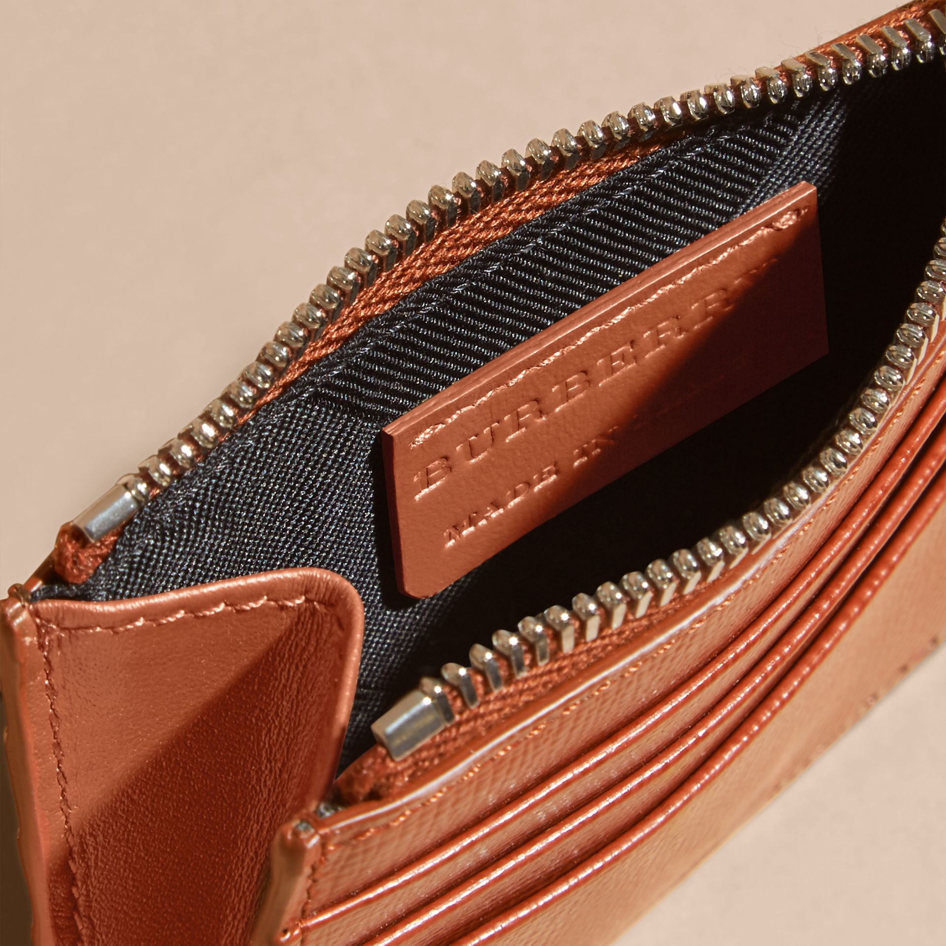 London Leather Zip-top Card Case in Burnt Sienna - gallery image 5