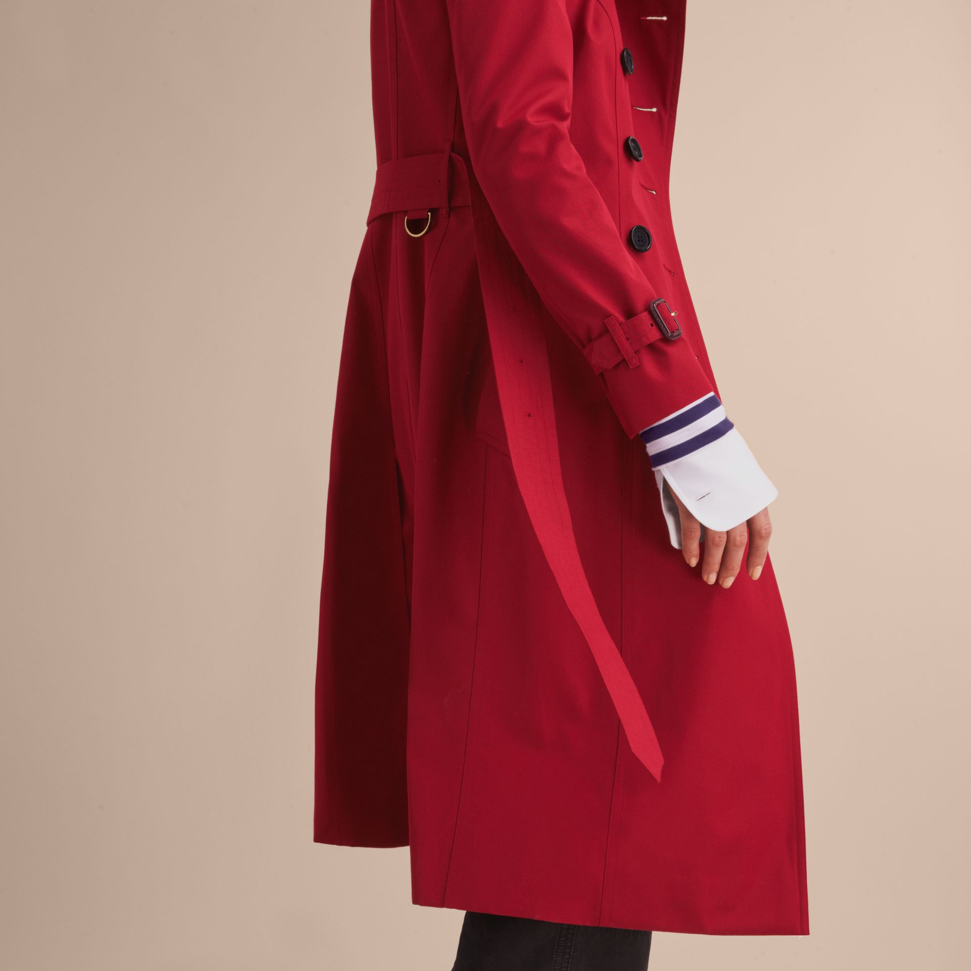Rouge parade Trench-coat Heritage extra-long The Chelsea Rouge Parade - photo de la galerie 6
