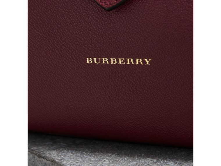 The Medium Buckle Tote in Grainy Leather in Dark Plum - Women | Burberry Australia - cell image 1