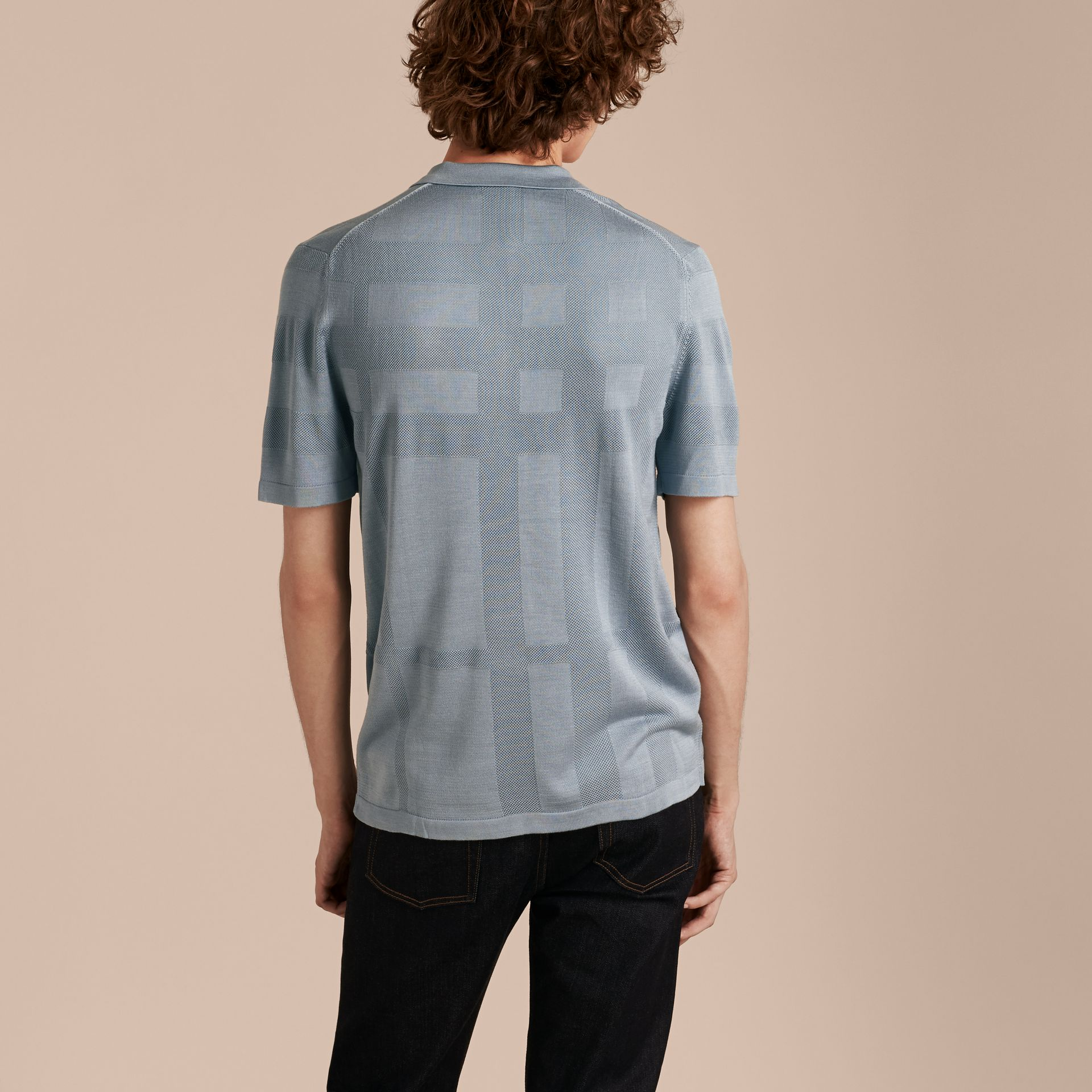 チェックジャカード ピケシルクコットン ポロシャツ (スレートブルー) - メンズ | バーバリー - ギャラリーイメージ 3