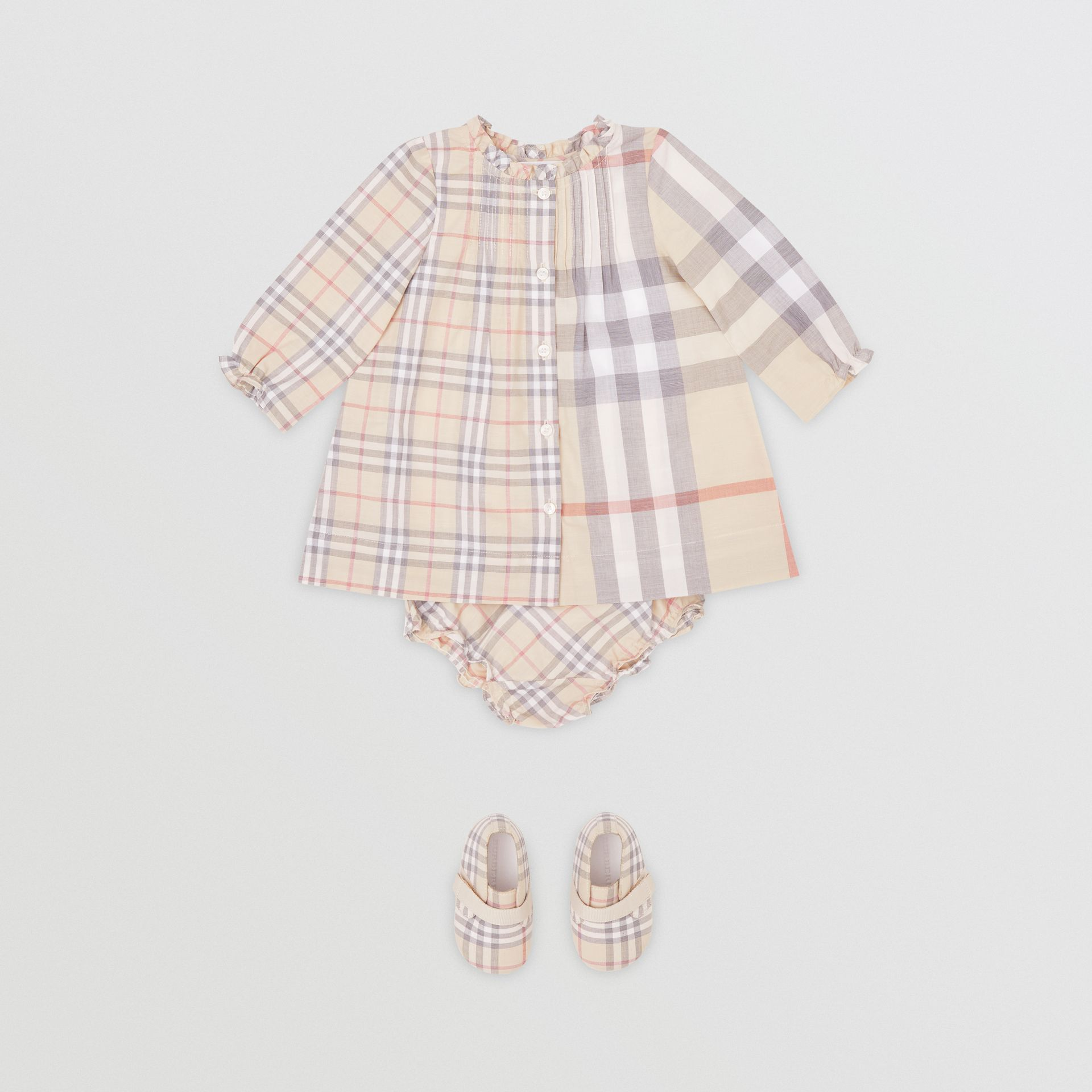 Robe et bloomer en coton check (Stone Pâle) - Enfant | Burberry - photo de la galerie 0