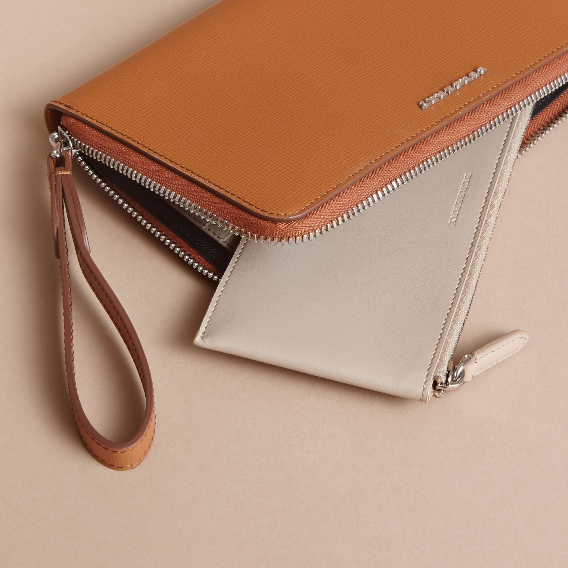 London Leather Travel Wallet in Tan | Burberry - gallery image 5