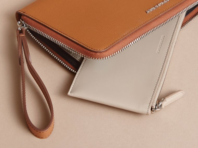 London Leather Travel Wallet in Tan | Burberry - cell image 4