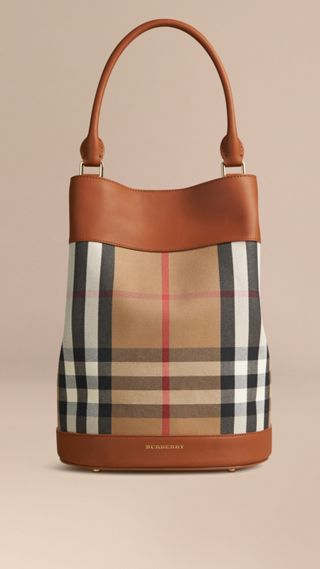 Sac Burberry Bucket en coton à motif House check et cuir