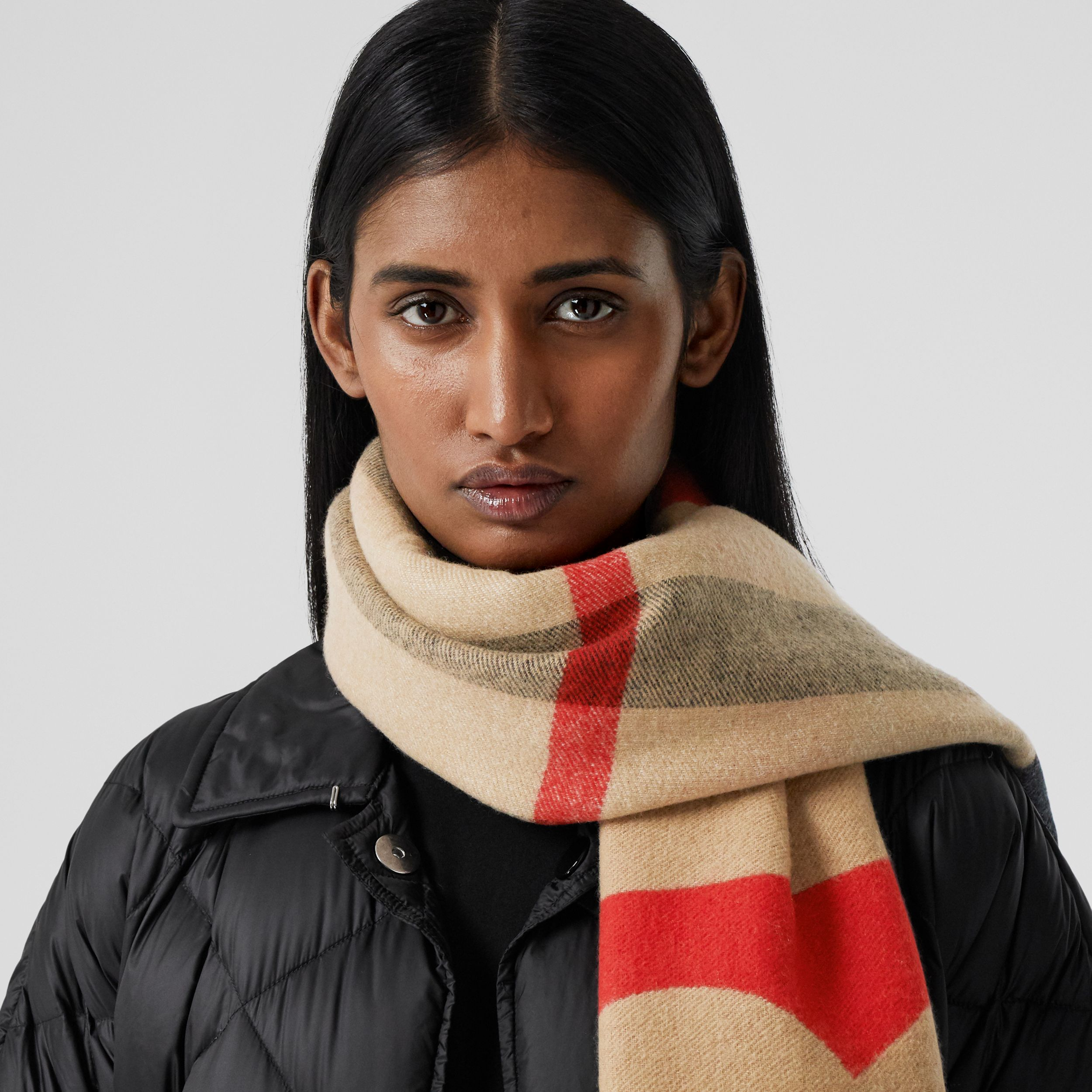 Reversible Check and Logo Cashmere Scarf in Archive Beige | Burberry - 3