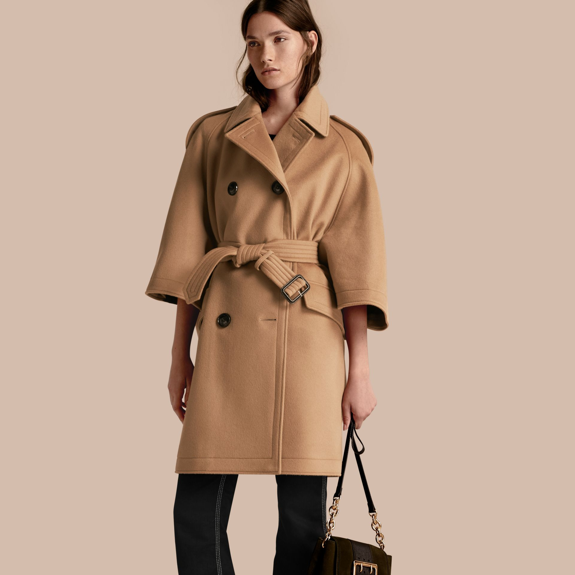 Camel Trench-coat cape en laine et cachemire - photo de la galerie 1