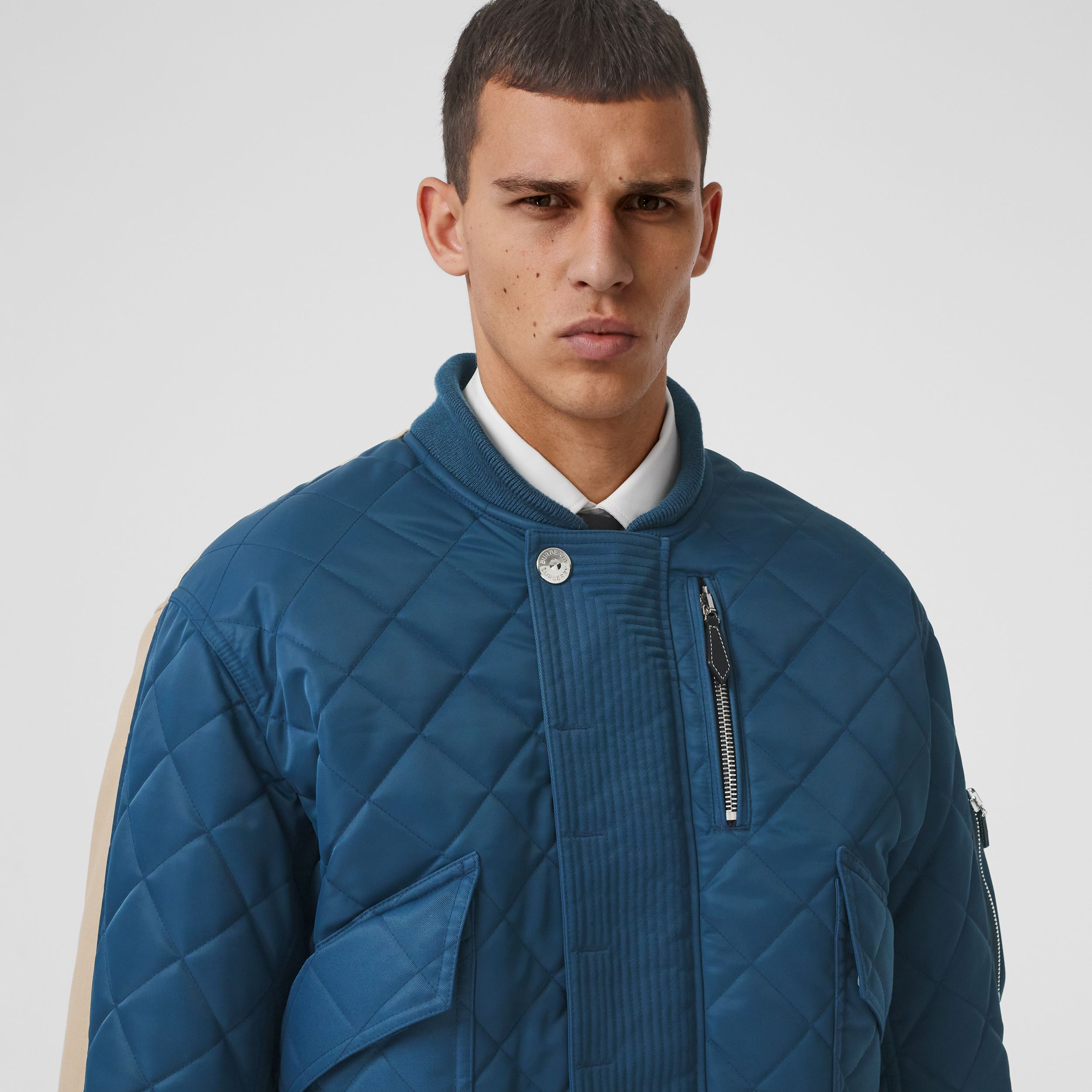 Detachable Hood Quilted Nylon and Cotton Jacket in Dark Carbon Blue | Burberry - 2