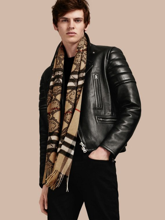 Camel/black The Classic Cashmere Scarf in Check and Python Print - cell image 3