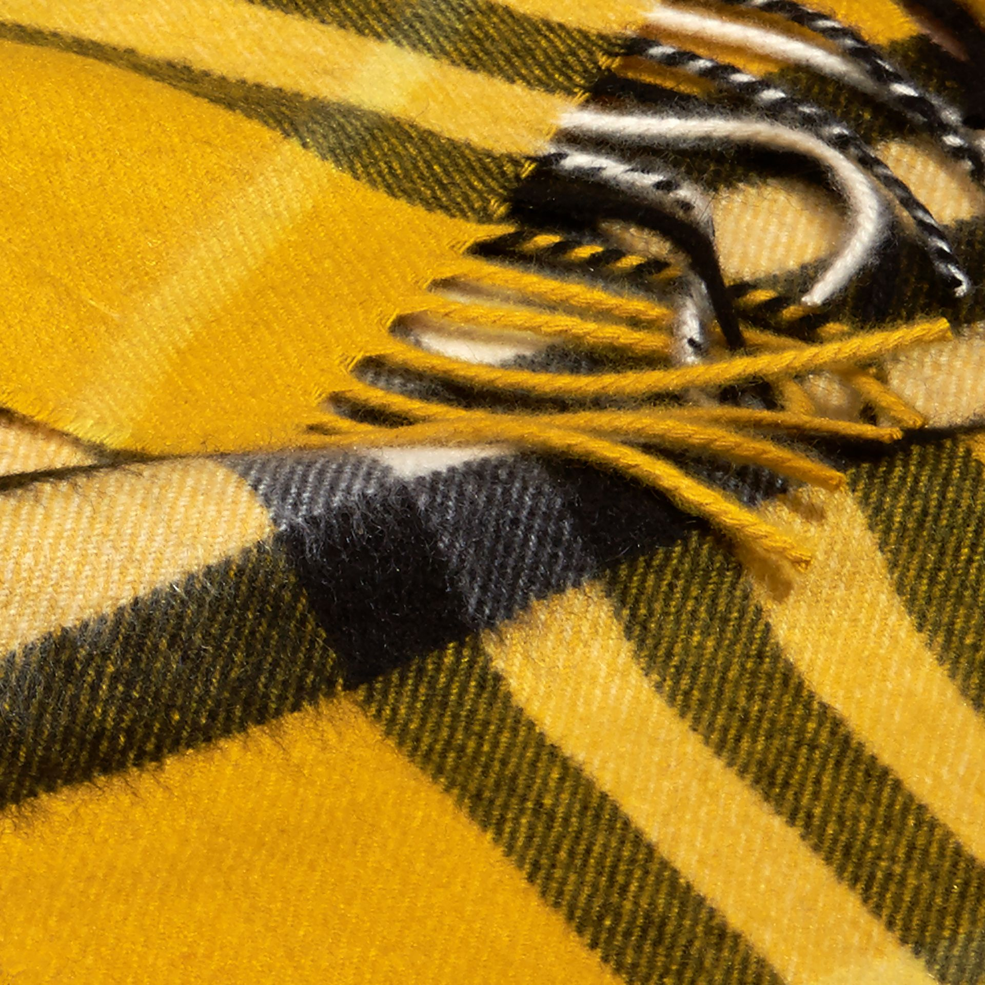 Gorse yellow The Mini Classic Cashmere Scarf in Check - gallery image 3
