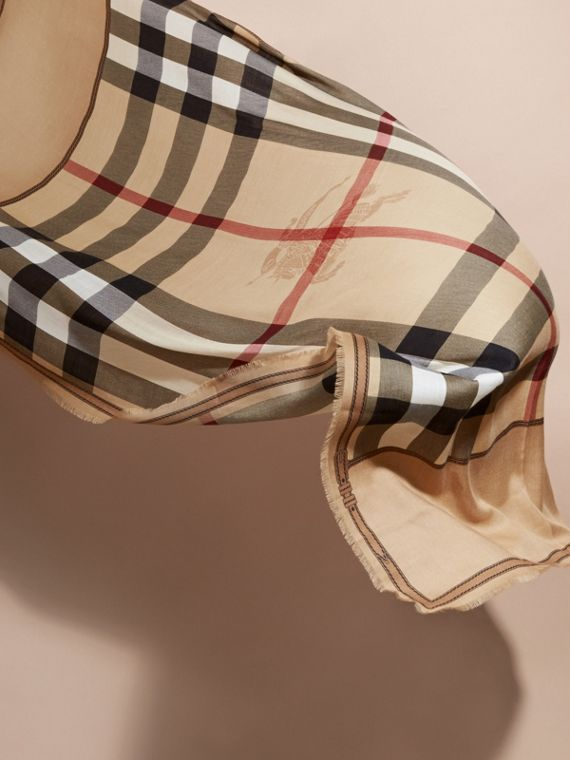 Contrast Border Horseferry Check Cashmere Scarf in Camel - cell image 3