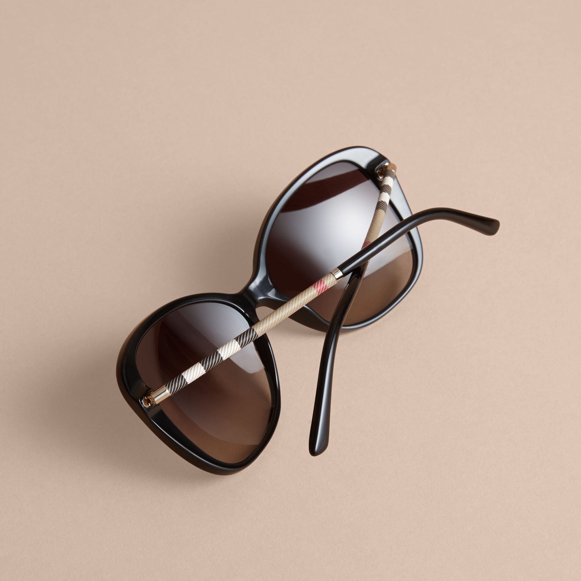 Check Detail Butterfly Frame Sunglasses Black - gallery image 4