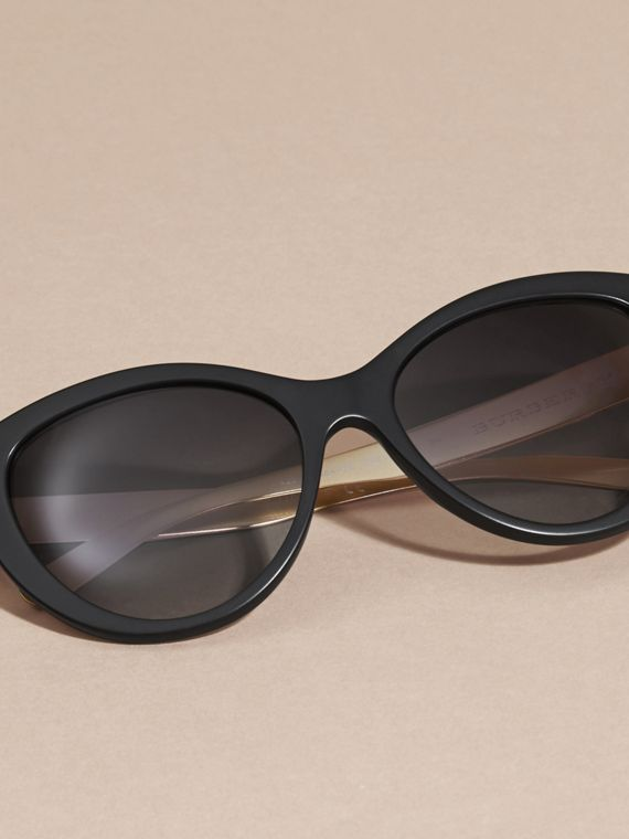 Black 3D Check Cat-eye Sunglasses Black - cell image 2